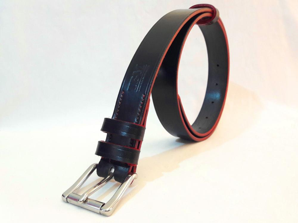 Classic Belt in Black and Red