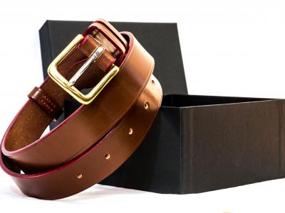 (1 in stock today) Autumn: Classic Belt in Conker and Red